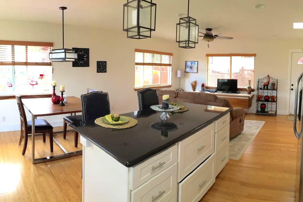 Fully Furnished Short Term Rental - Wahiawa - Maison