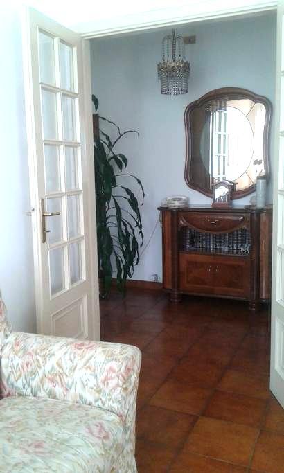Stanza ampia e luminosa a Pontremoli - Pontremoli - Apartament