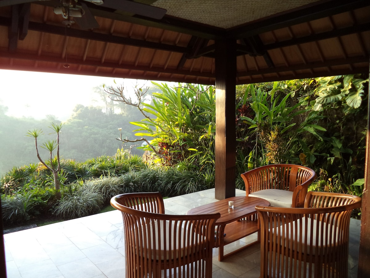 Frangipani 3, Sunrise Villa Bali