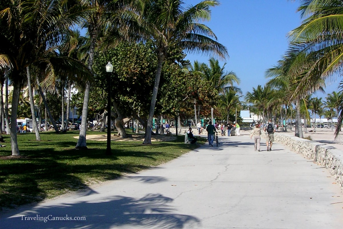 Beach, Bike/walk path.