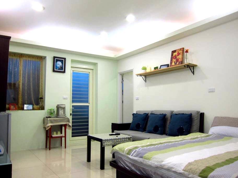 2 Cozy Suite Room 鄰近捷運、機場巴士站(1962)、高鐵、火車 - Banqiao District - Leilighet