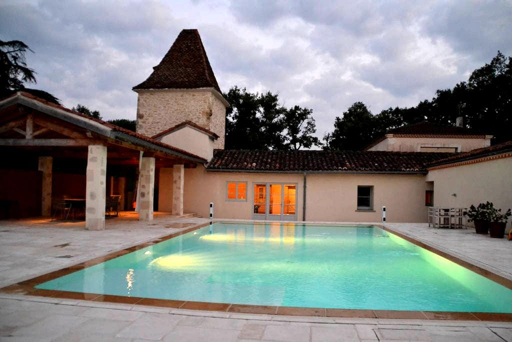 Charming house with heated pool - Castéra-Verduzan - Casa