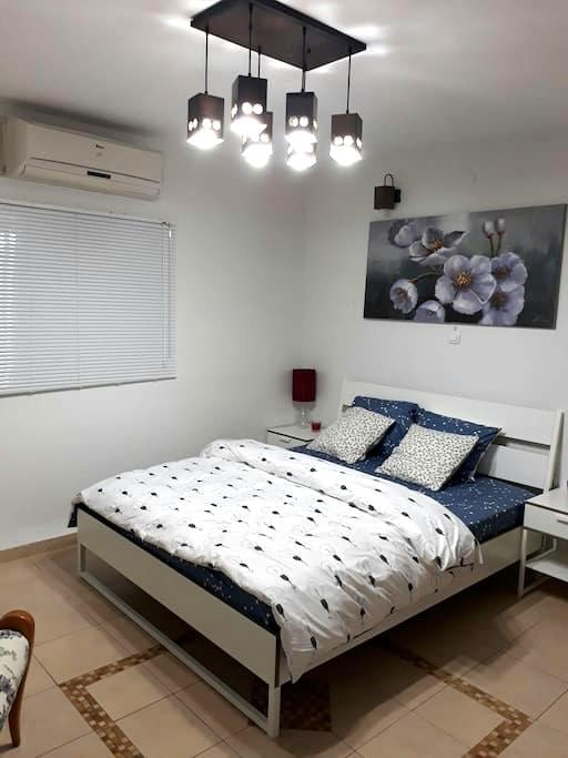 Private garden studio, Carmel tzarfati. - Haifa - Appartement