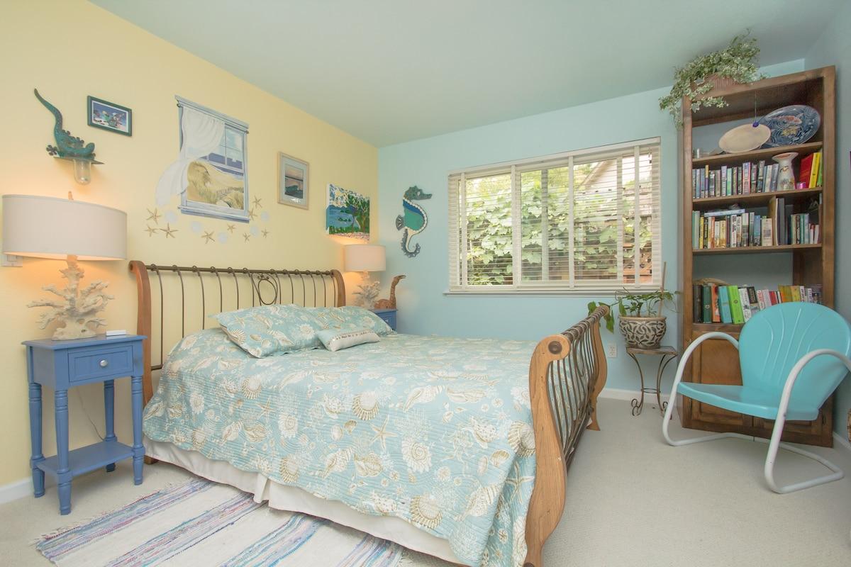 Island room - queen size bed.
