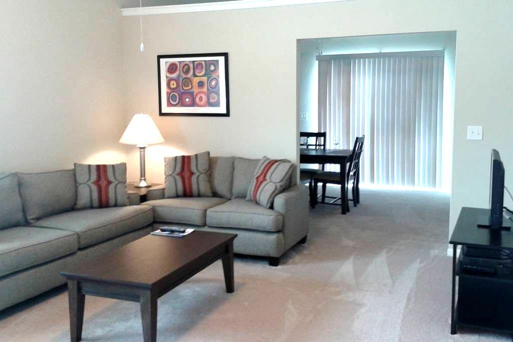 Furnished + Vaulted Ceilings & Private Entry! - Dublín