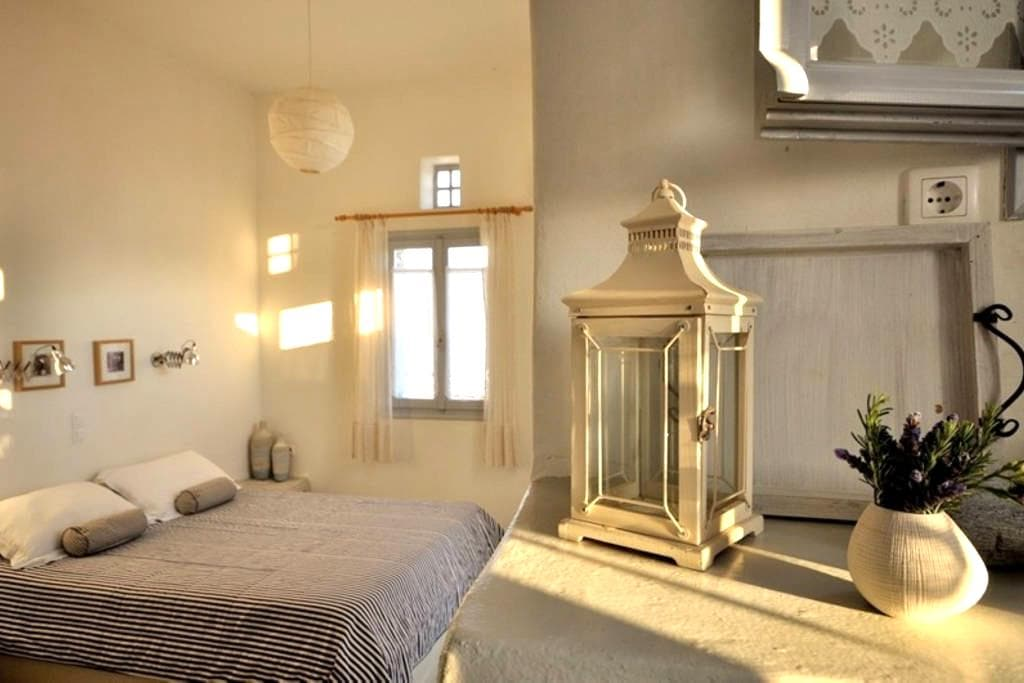 Stylish Room for 3 in Tinos - Tinos - Apartment