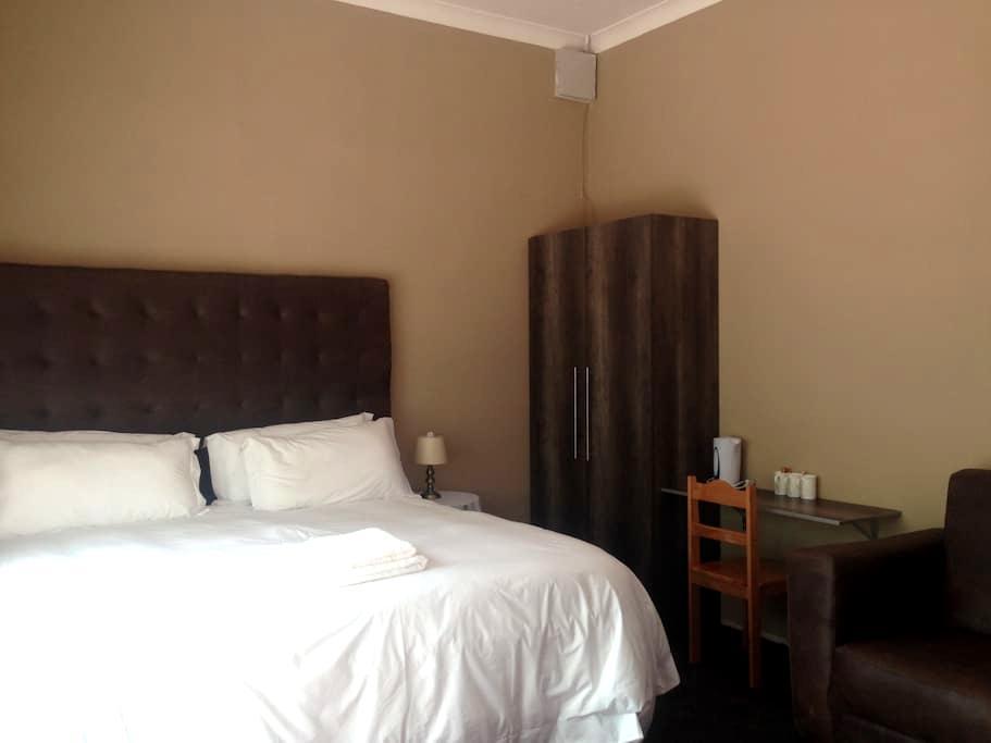 Silver Plum BnB - Queenstown - Bed & Breakfast