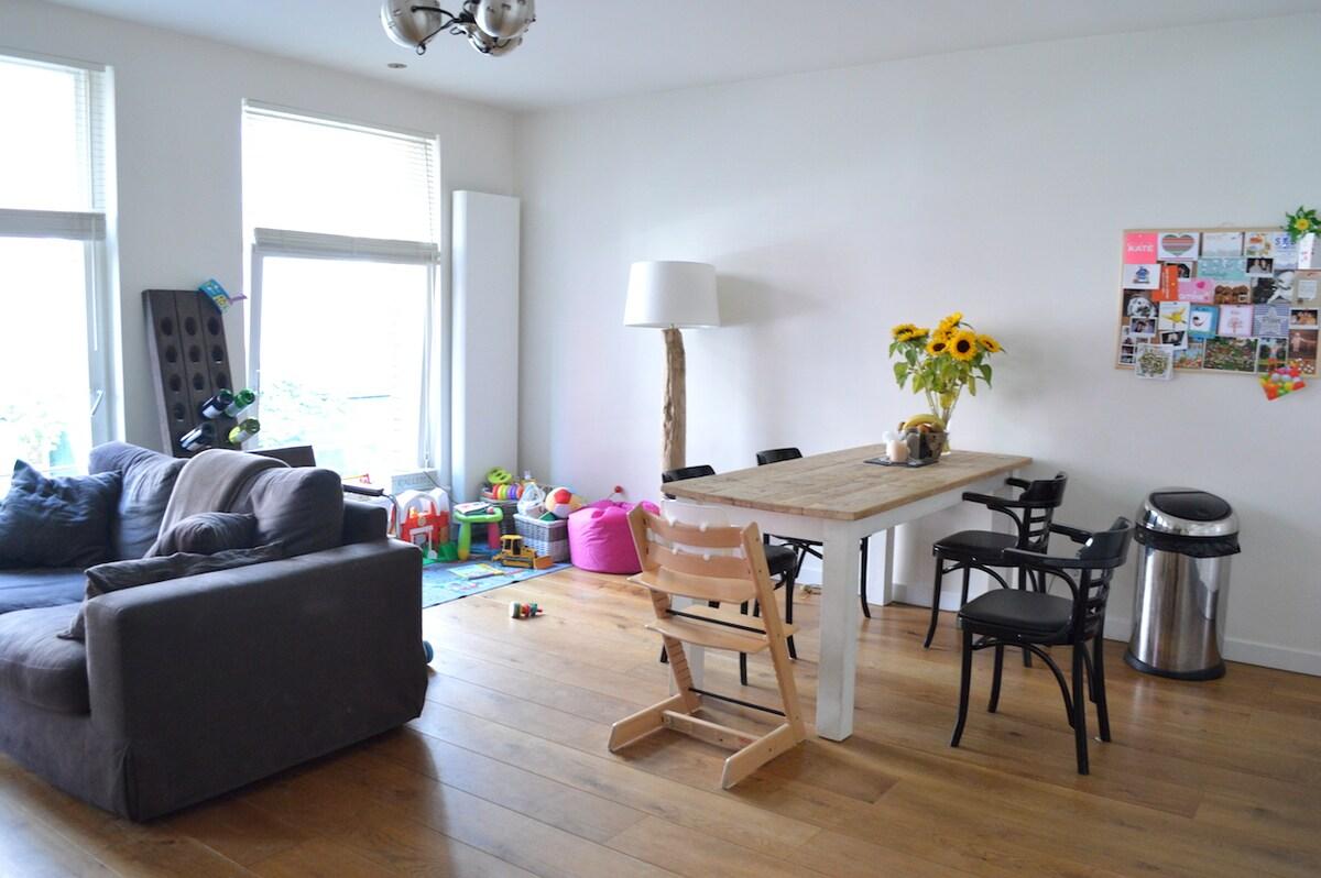 Quiet apartment near Leidseplein!