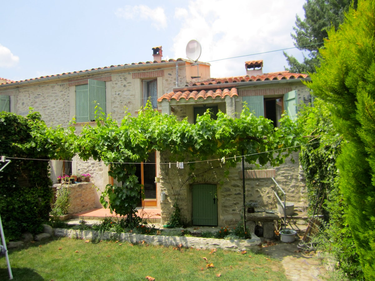Authentic Stone Cottage With Garden