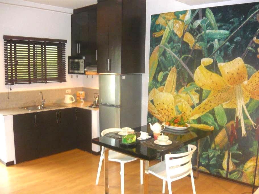 White Beach Studio Apartment - PH - Apartment