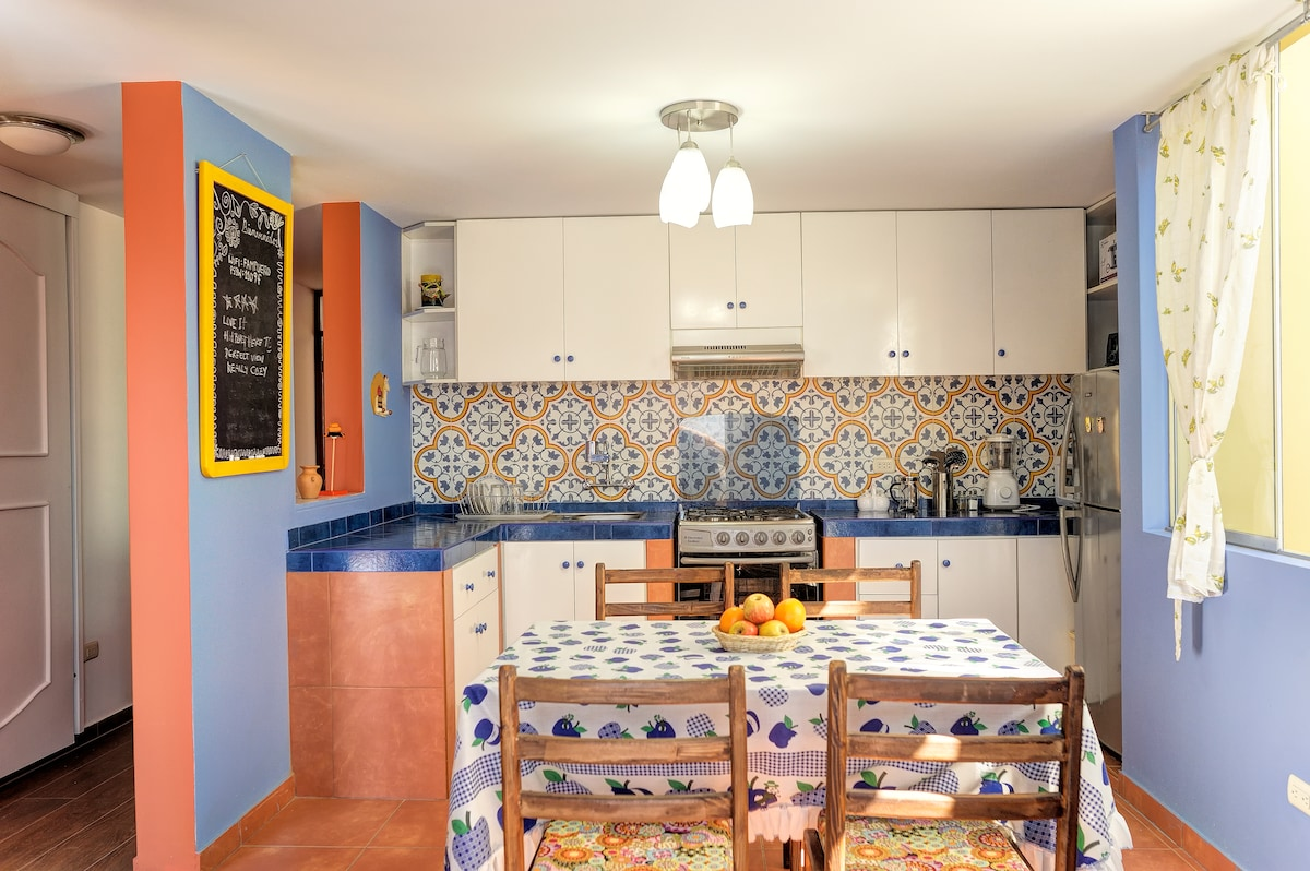 Eat in kitchen with all the amenities for cooking.