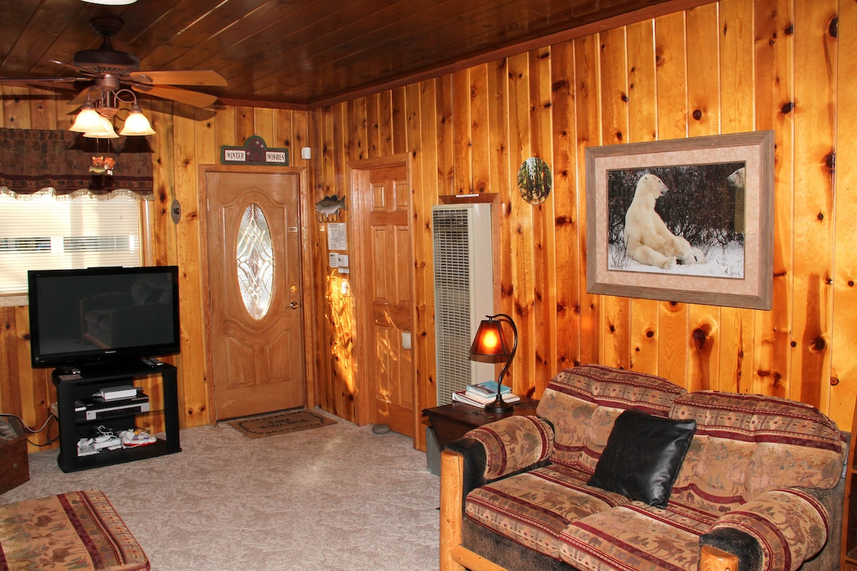 Tahoe Cabin Close To Everything!!