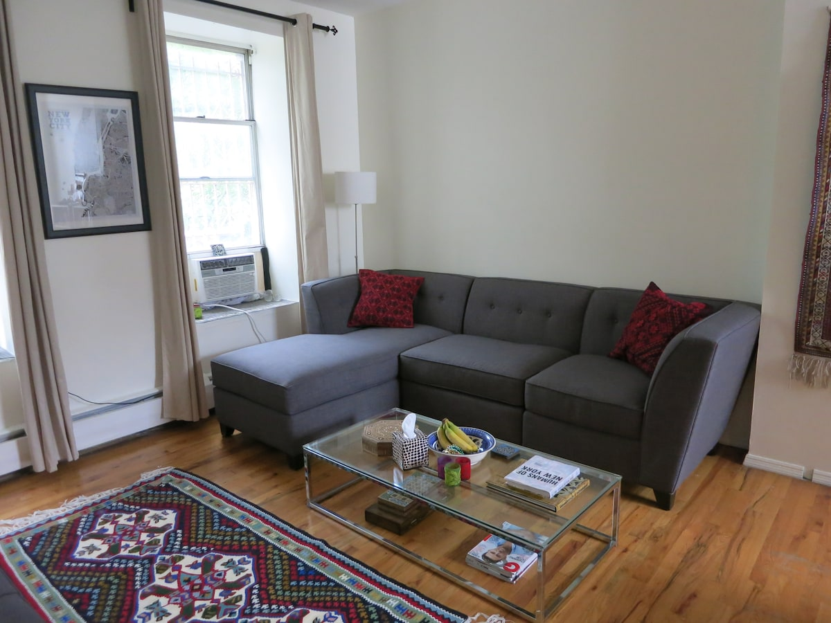 Large & bright 2-bedroom apartment