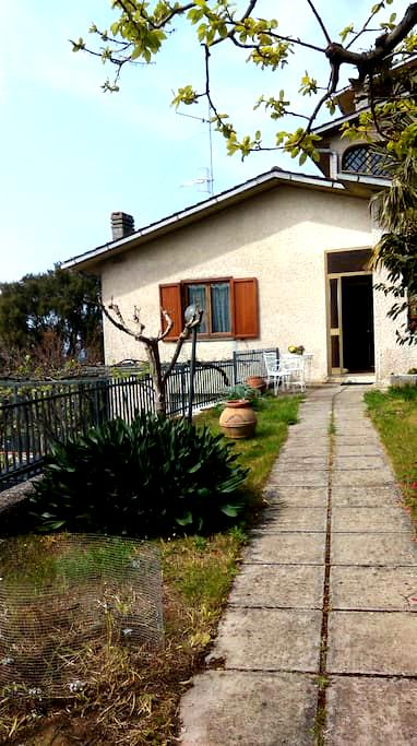 Countryside house with a sea view - Gavorrano - Lejlighed