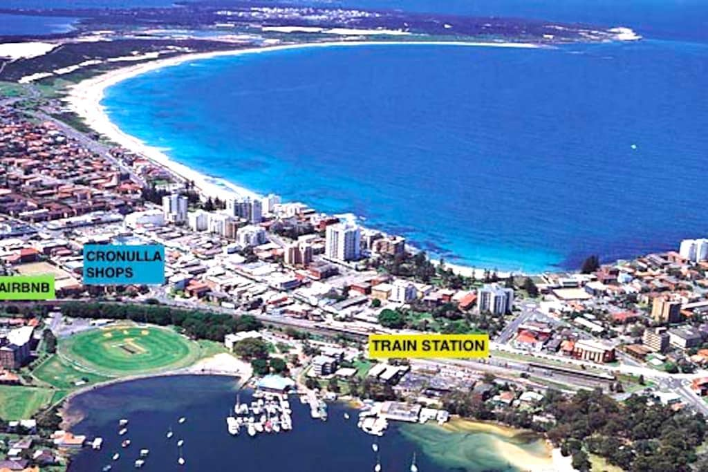Central 2-Bed unit - Walk to Beach/Train/Shops - Cronulla - Huoneisto