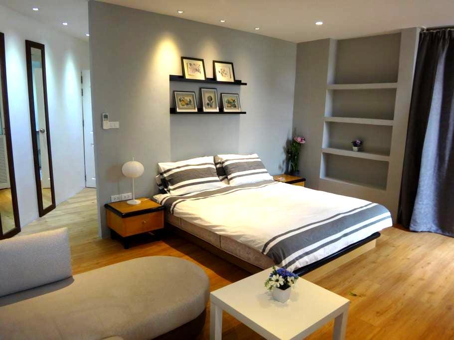 COZY studio in private home - 10mins walk MRT - Bangkok - Talo