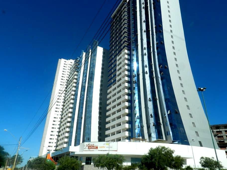 Brand NEW apartament in a great location - Goiânia - Flat