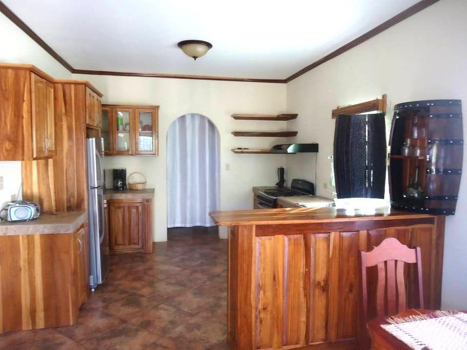 Captital Haven Guest House - Belmopan - Hus
