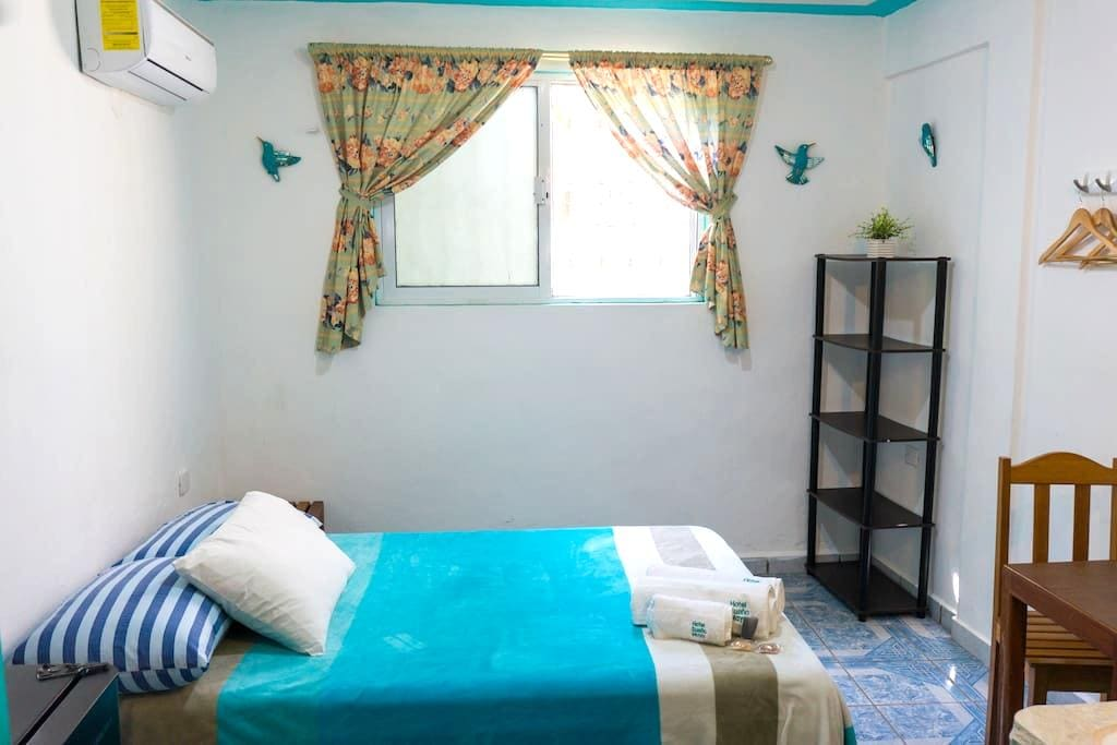 Posada #3 Small, budget room - Isla Mujeres