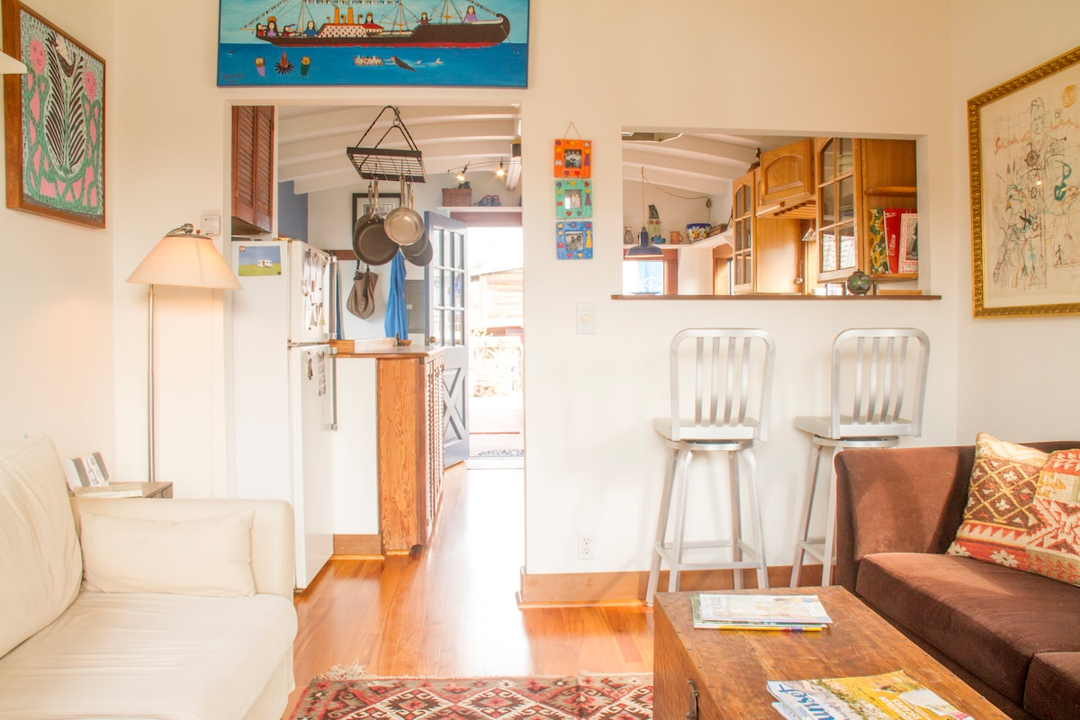 2 BR houseboat in magical community
