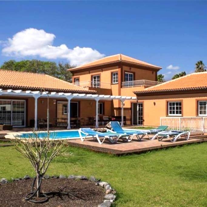 Luxury villa con 14 posti letto - Golf del sur  - วิลล่า