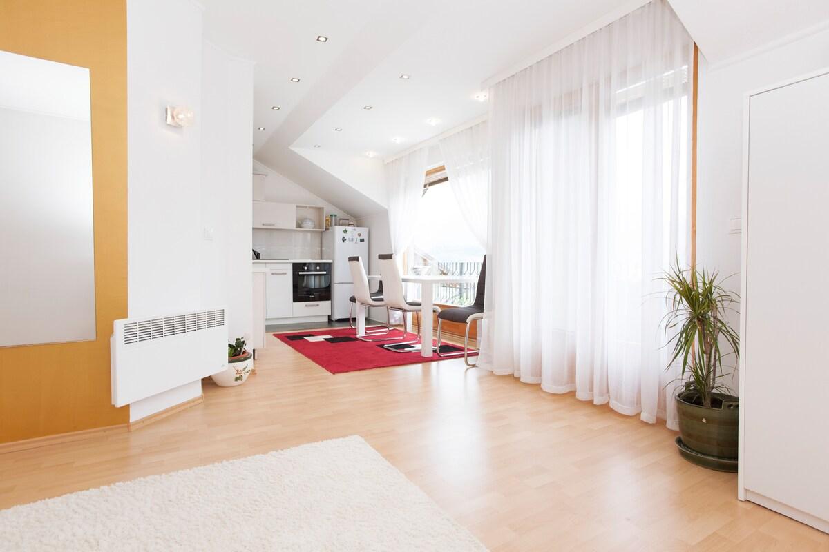Wonderful modern apartment/80m2 ♡