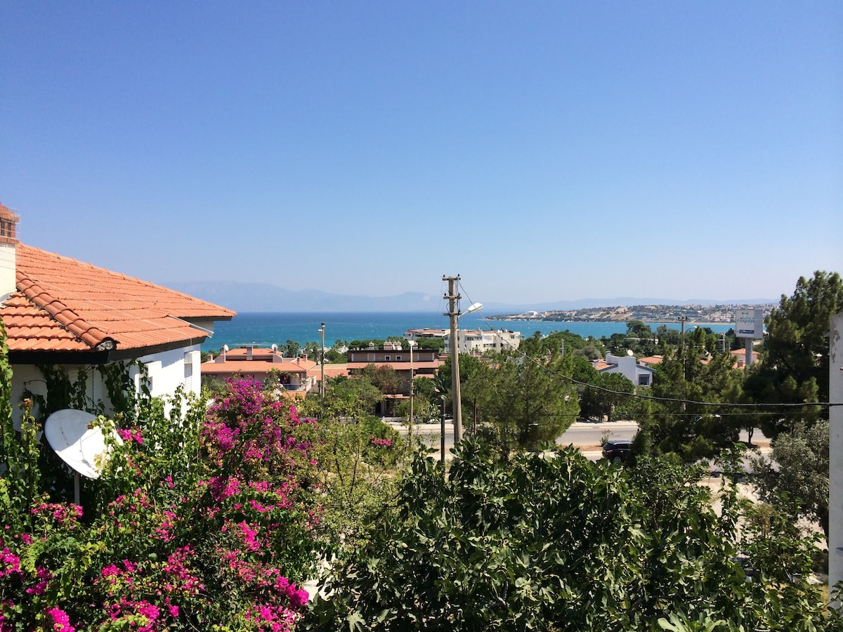 Great terace with sea view in Çeşme