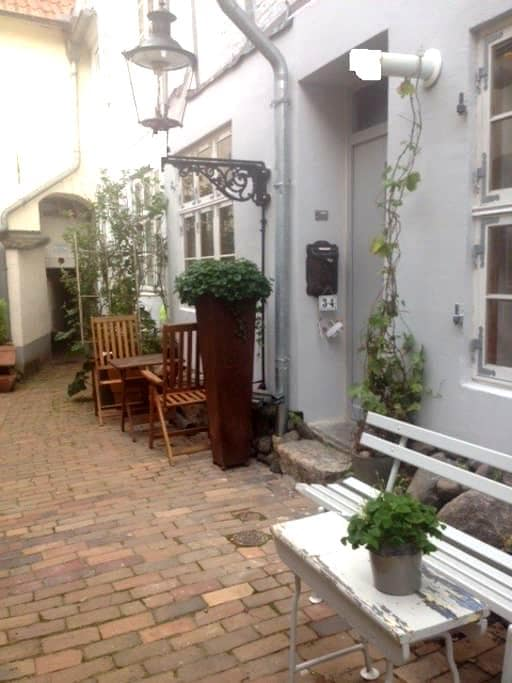 im Ganghaus mein schönstes Zimmer,1 - Lubeck - Rumah