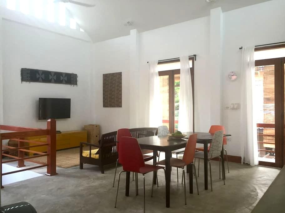 Spacious, central, family-friendly home - Luang Prabang