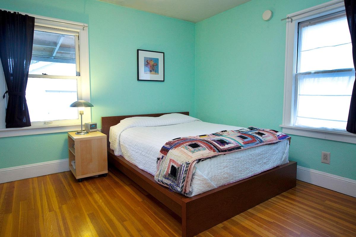 Master / 1st floor Bedroom
