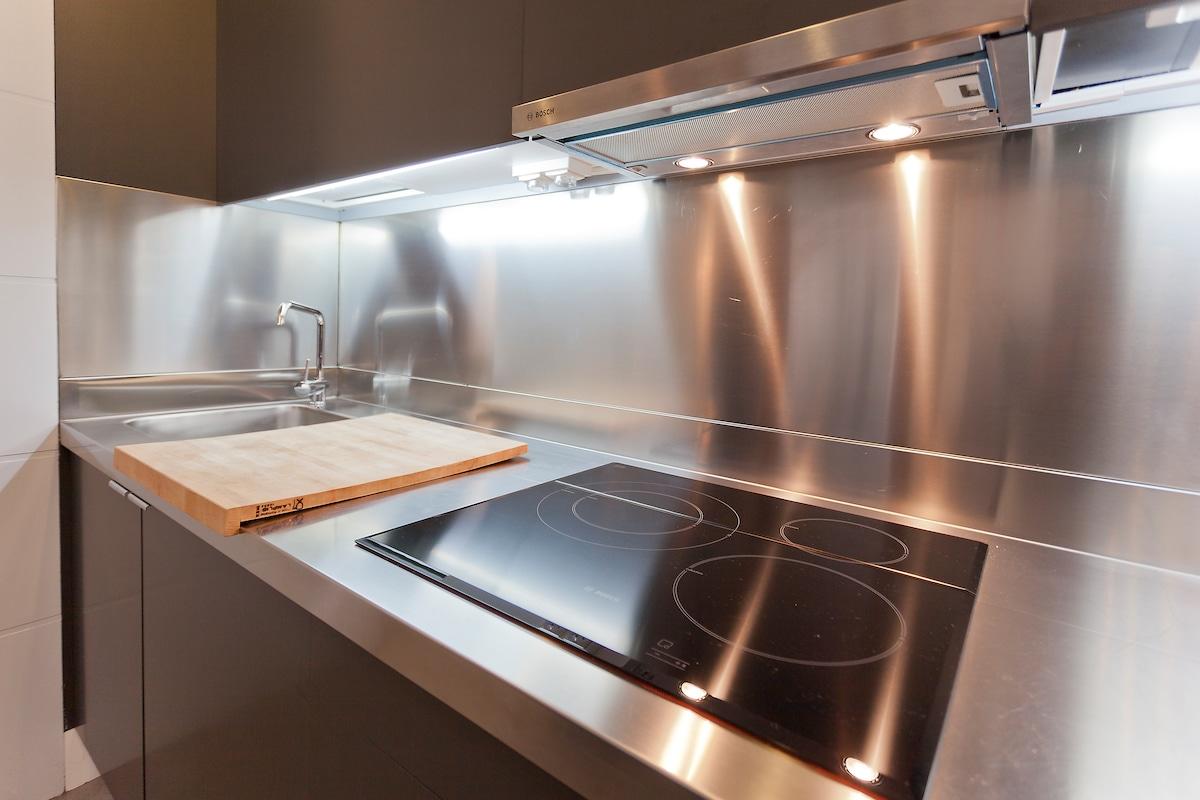 Placa de inducción en cocina