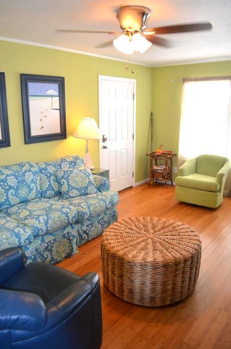 Pet-friendly Villa! #17 - Gulf Shores