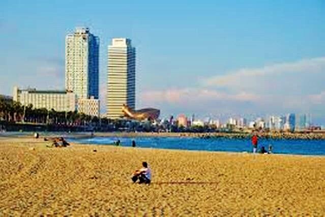 ROOM NEAR THE BEACH BARCELONETA!!