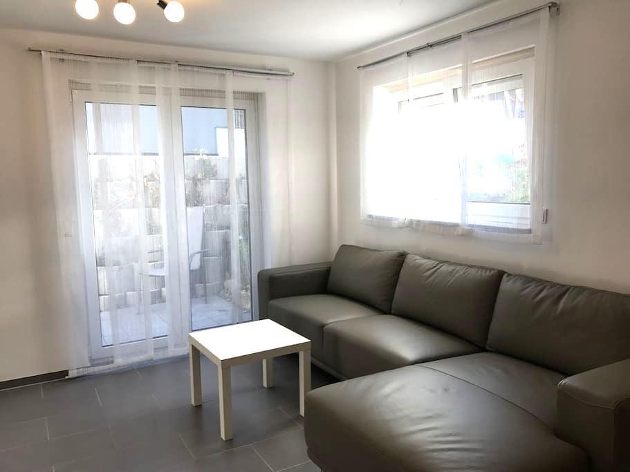 2-Zimmer Einliegerwohnung - Jettingen - 아파트