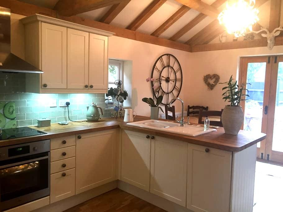 Double room. Luxury country cottage. Near Stansted - Manuden
