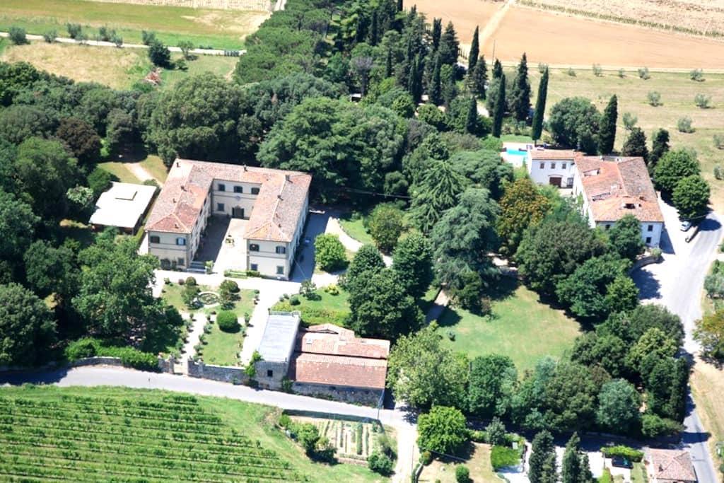 Campagna Toscana, piscina e tennis - Quarrata - Daire