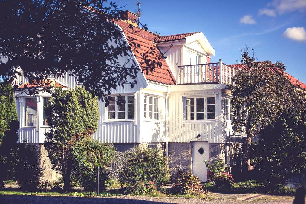 Cozy Flat in a Classic 20:s Villa - Bohus-Björkö - Lejlighed