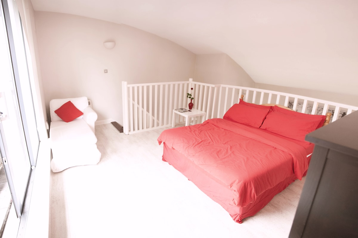 Open loft room, pictured NEW double bed and chaise longue!
