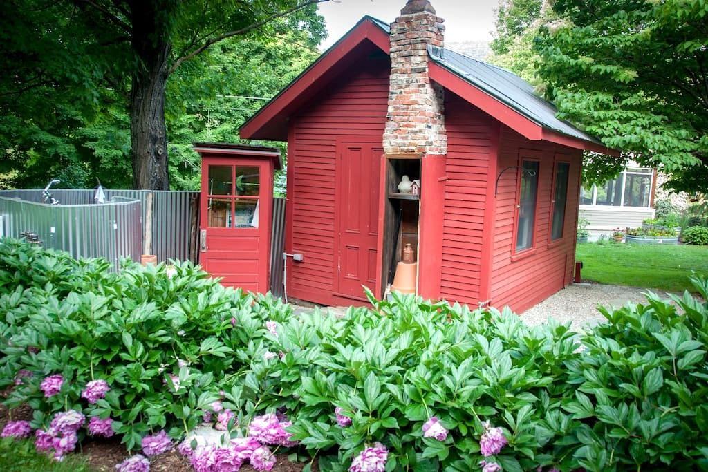 Charming garden cottage - Bristol