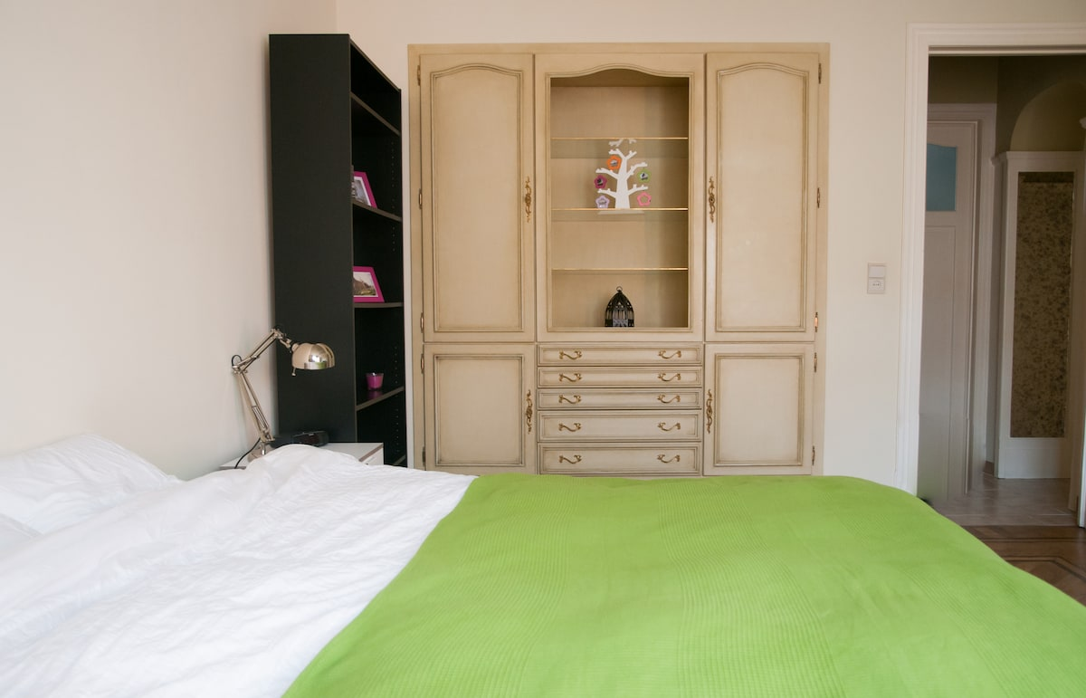 Room to rent in european district