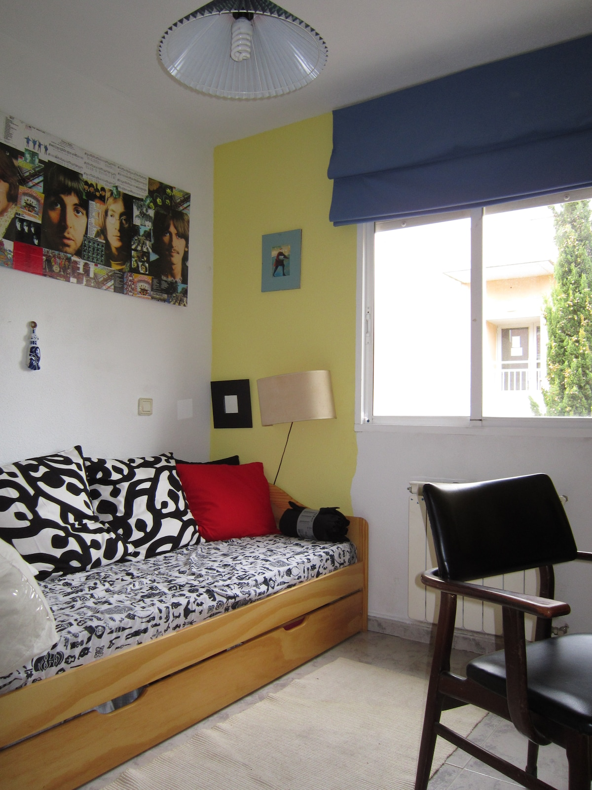 ROOM IN A VILLAGE NEAR MADRID -55KM