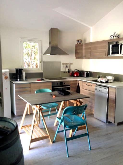 Petite villa dans résidence - Loupian