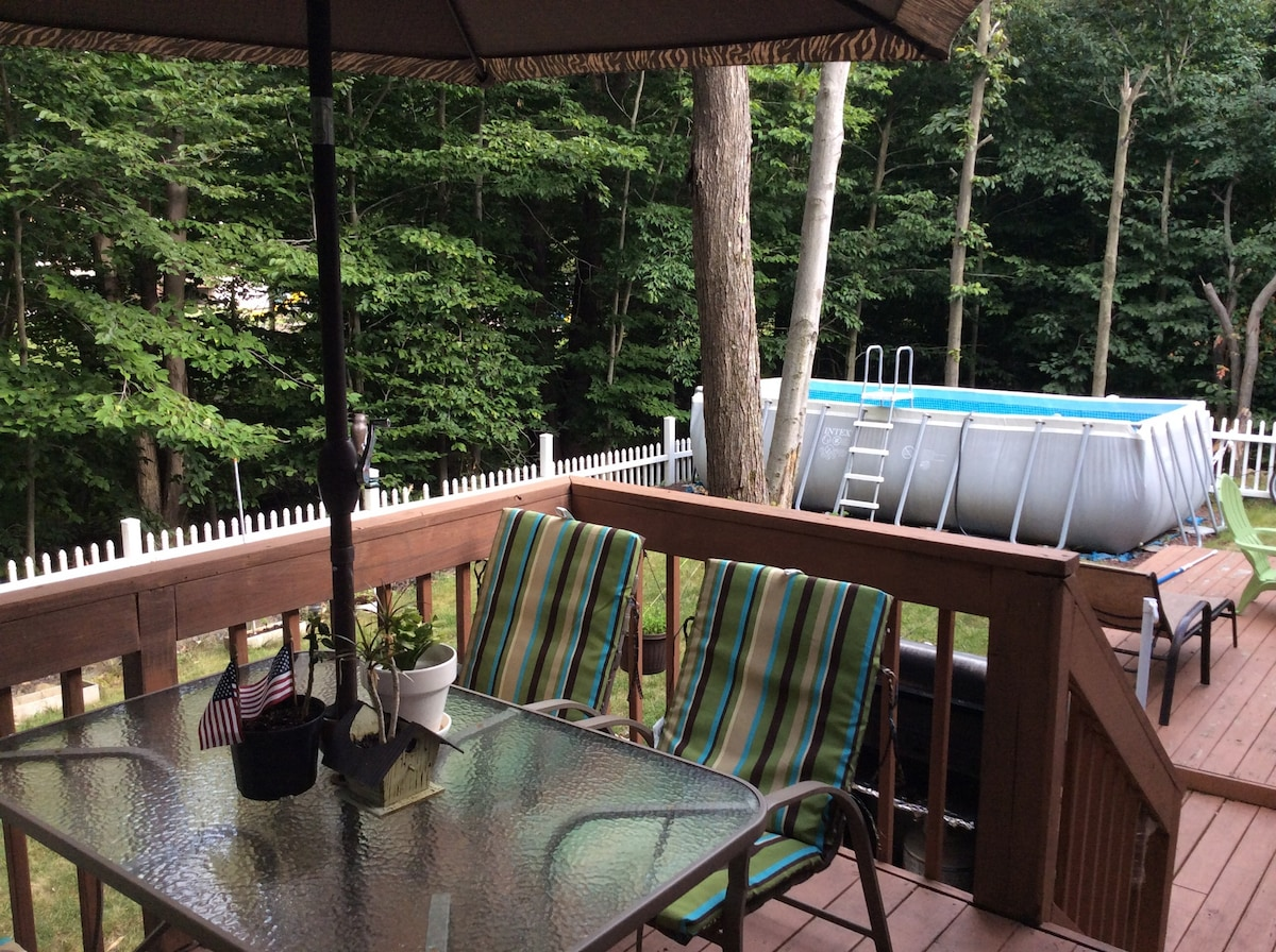 Pocono's 3 Bedrooms with Pool