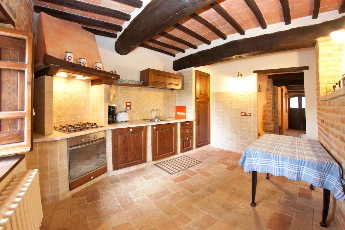 La cucina in muratura totalmente attrezzata