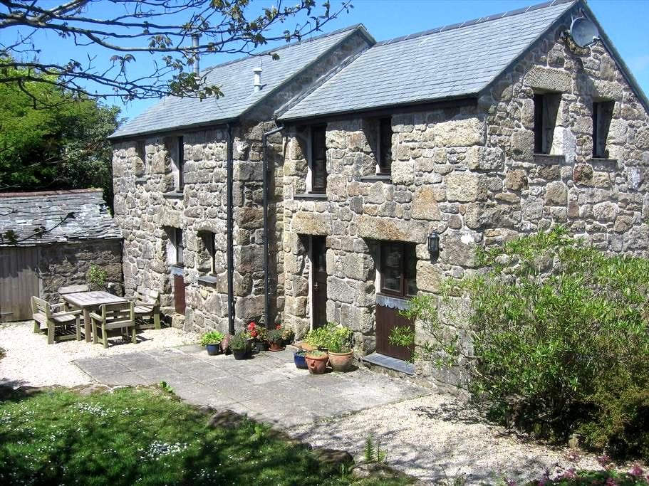Secluded, rural, detached granite barn conversion - Sancreed - Other