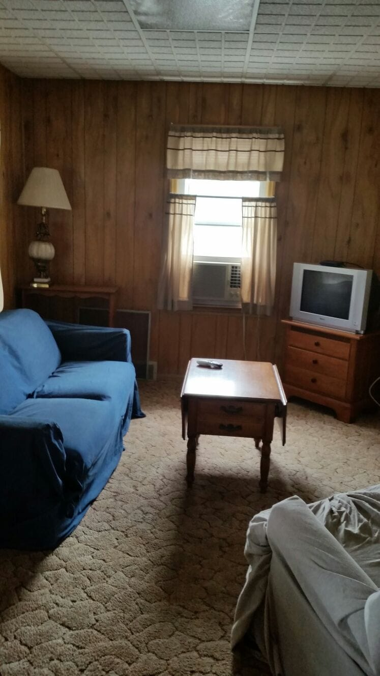 Furnished 2 Bdrm Apt A in house up