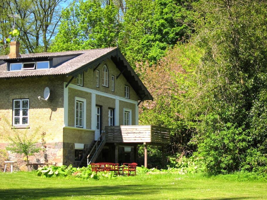 Famous writers' house at manor, Møn - Stege - Villa