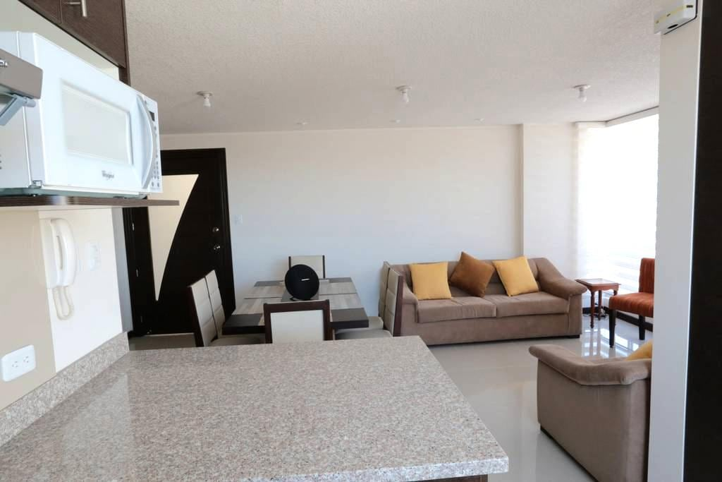 3 bedrooms very comfy &new apart. in Cumbaya-Quito - Quito