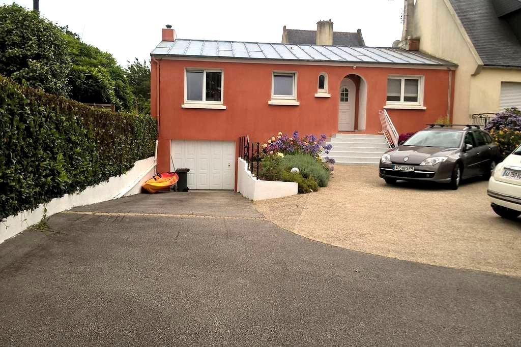Chambres  dans pavillon avec parking sécurisé - Brest - Ev