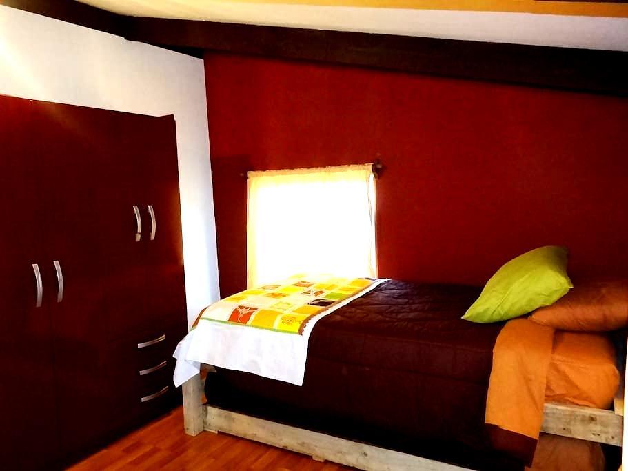 CASA COMPARTIDA - SHARED HOUSE - Hanga Roa